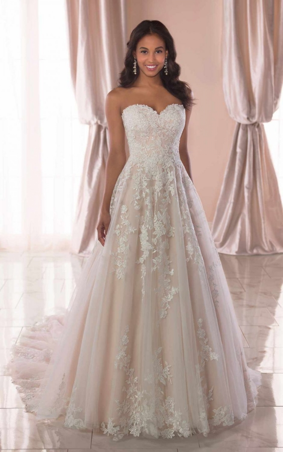 Lace Gown 118772