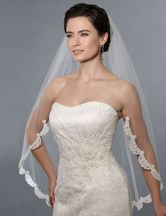 Lace Fingertip Veil 117019