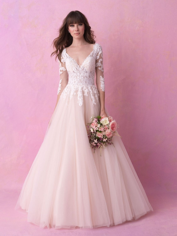Lace Gown 118381