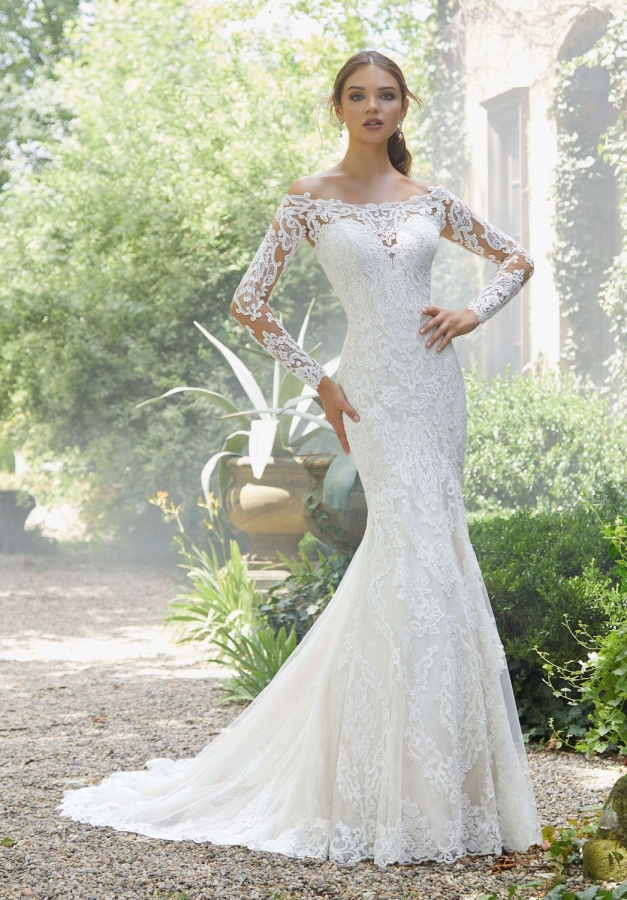 Lace Gown 118903