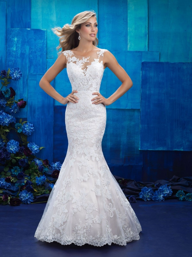 Lace Gown 117325