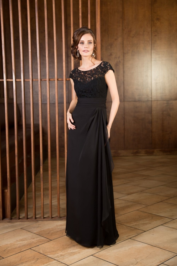 Lace Gown 118324