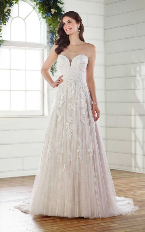 Lace Gown 118770