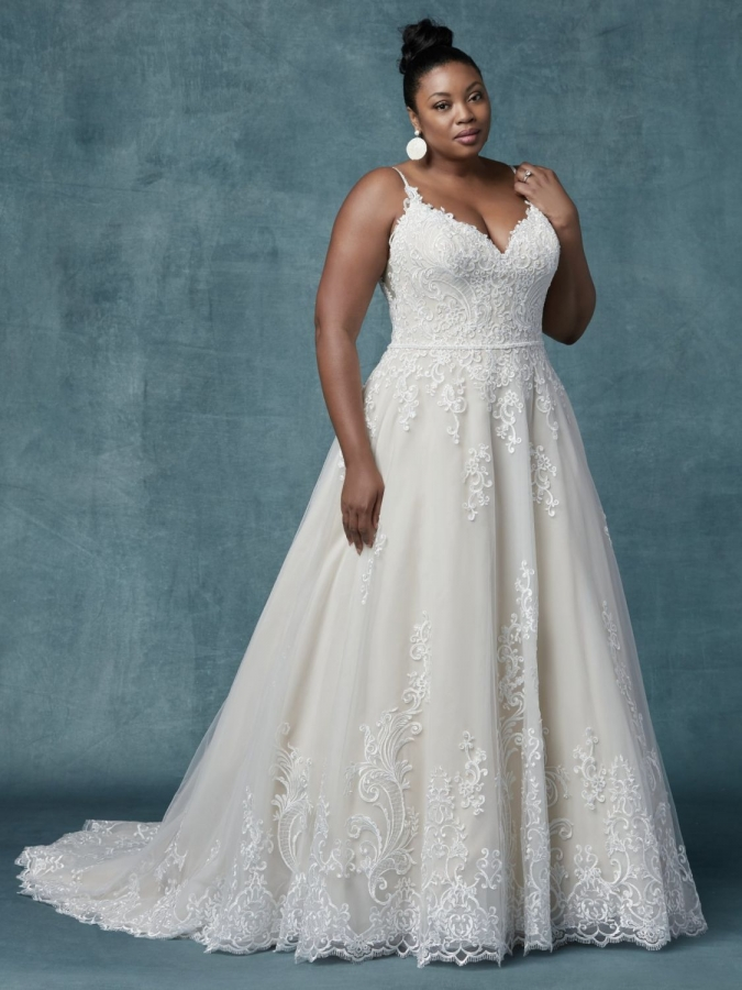 Lace Gown 118865