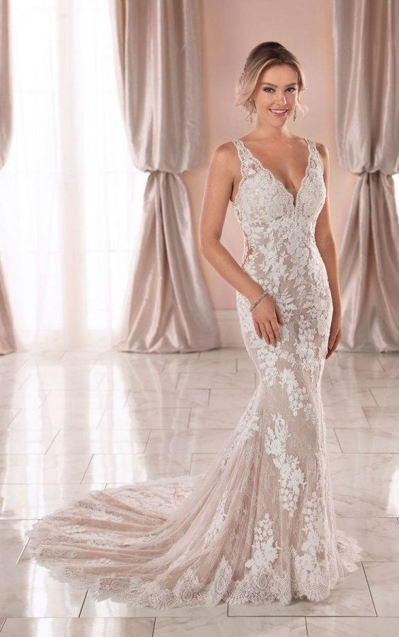 Lace Gown 119262