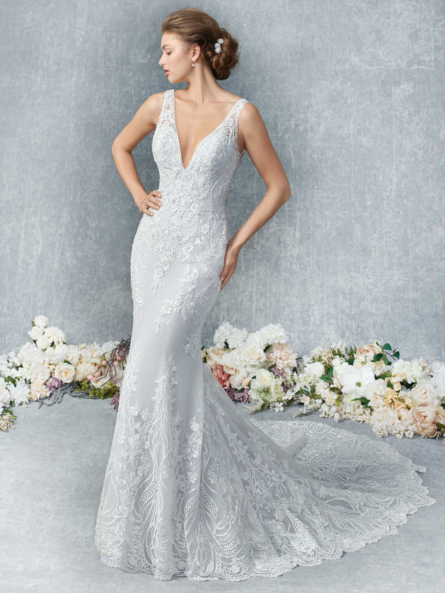 Lace Gown 119280