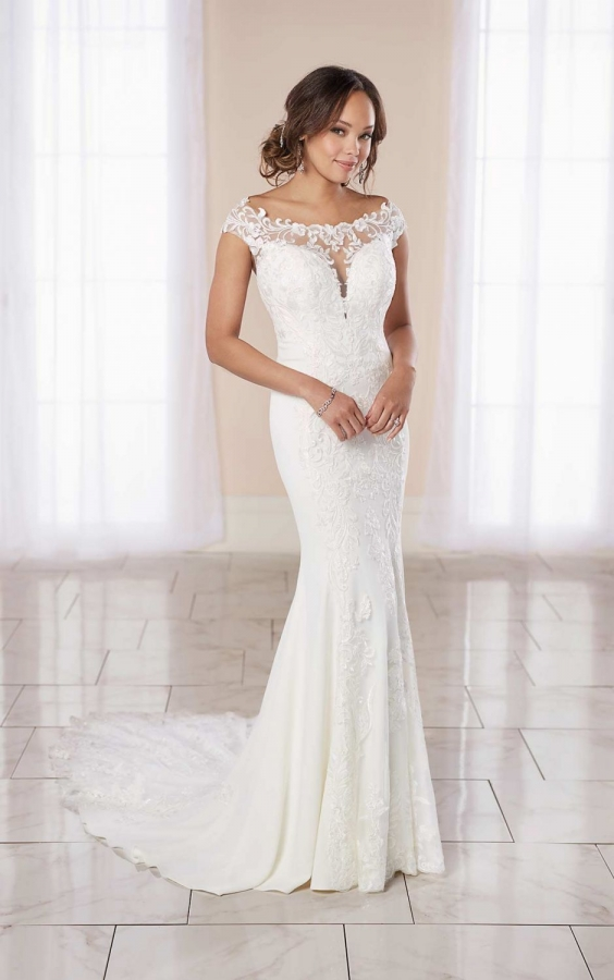 Lace Gown 119497